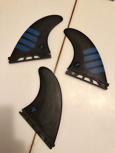 Alpha F6 futures surfboard fins wetsuit