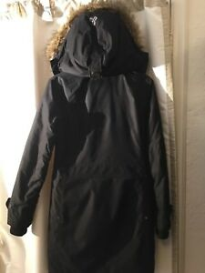 TNA Aritzia Parka suitable for -10 to 5c