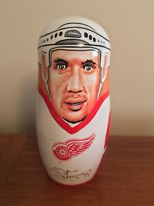 NHL 2002 Detroit Redwings Russian-style Nesting Doll *RARE*