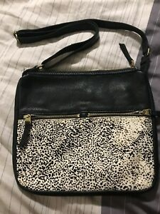 Fossil Purse - Authentic leather cross body
