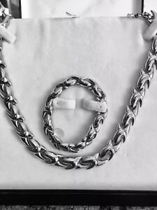 Necklace and bracelet set Fifth Avenue Collection