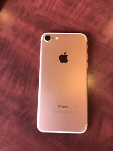 iPhone 7 32gb rose gold unlocked $350