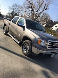 2012 GMC Sierra 1500 4x4 clean and certified