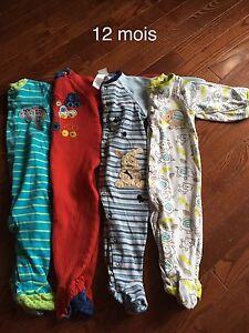 4 pyjamas 12 mois 8$