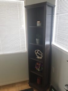 Tower shelving unit