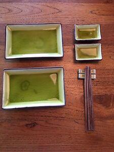 Ensemble de service à sushi et 2 napperons en bamboo