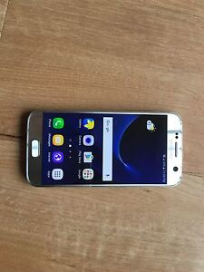Samsung galaxy S7 Silver 32gb Factory Unlocked For Sale