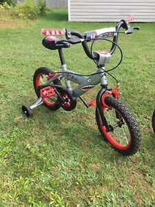 "14"" boys shark bike"