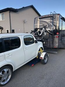 2010 Nissan Cube with Tow Dolly