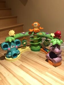 Sit and Stand Jungle Toy (Fisher Price)