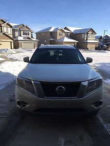 2015 Nissan Pathfinder SV 4x4 SUV ~ Private Sale~