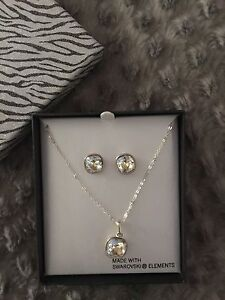 Jewellery set in box Keilor Lodge Brimbank Area Preview