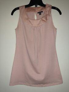Ladies sleeveless pink top