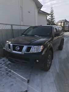 2014 Nissan Frontier ProX4 **Only 63,000 kms**