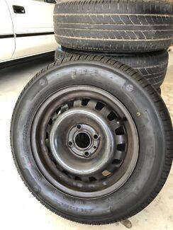 """4x Achilles """"122"""" 185/75R14 86H tyres, plus Michelin """"Energy"""" spare"""