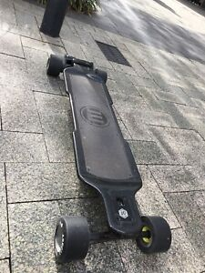 Evolve carbon gt electric skateboard