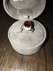 14k white gold and Garnet ring, stamped