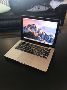 "MacBook Pro ""Core 2 Duo"" 2.4 13"" Mid-2010"