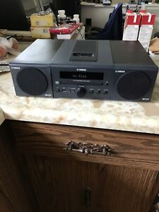 Yamaha CRX 040 iPod dock, FM receiver and CD player with remote