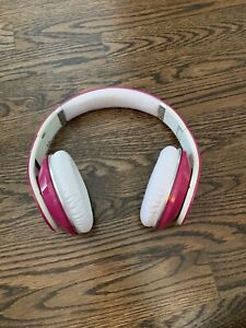 Beats by dr.dre hot pink