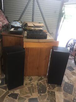 NAD AMP  and 2 WARFEDALE speakers