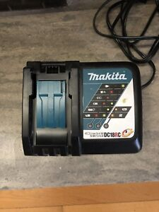 Chargeur Makita Neuf à Vendre