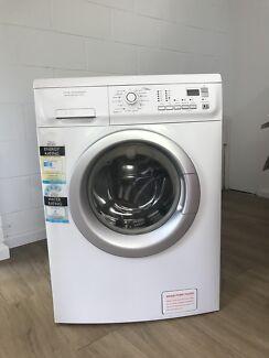 8kg Electrolux washing machine front loader