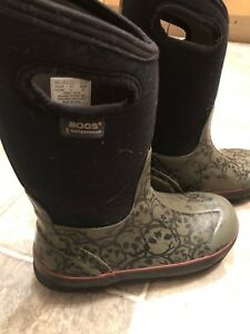 Kids bogs winter boots 50$