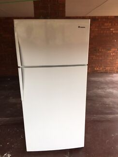 WESTINGHOUSE FRIDGE/FREEZER 540L