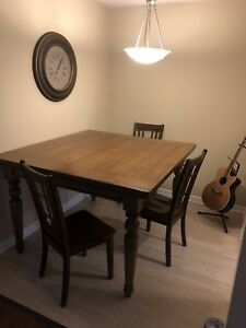 Large Solid Wood Dinning Room Table