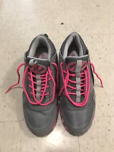 Heelys - Pink and Grey Running Shoe Style