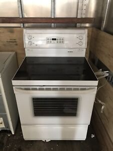 Great Condition Whirlpool Stove - Working