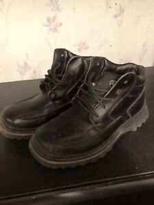 Mens Boots (size 10)