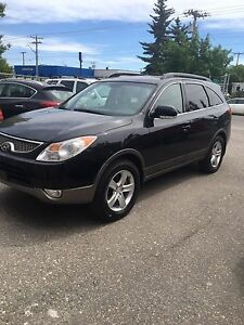 2008 Hyundai Veracruz fully loadet sunroof 7 pass seater