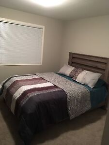 Bedroom set  7 ps in excellent condition used two month only