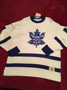 Toronto Maple Leaf Puckmaster Stall & Dean Jersey