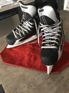 Boy's hockey skates