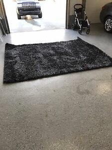 8'x10' Indoor Grey and Black Area Rug