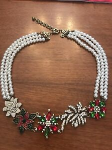 Statement Necklace in Austrian Crystals and Pearls.