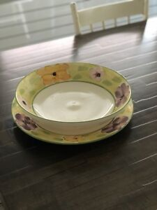 Pasta serving bowl and plate