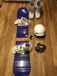 Set Ladies Snowboard, Bindings, Helmet, Boots, Glasses
