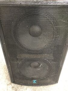 Subwoofer yorkville LS1004 Puissant 2800 watts !!