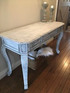 Distressed white wooden entry/hall/sofa table