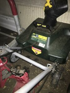 Electric snow blower 13a 20 inch .. near new !