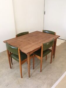 Vintage mid-century extendable dining table & chairs