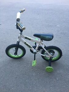 "12"" NEXT BICYCLE WITH TRAINING WHEELS"