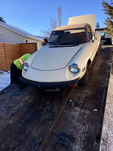 Alfa Romeo Spider - new hood and well maintained