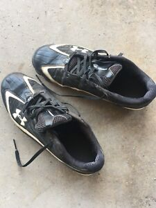 Used men's Under Armour baseball cleats