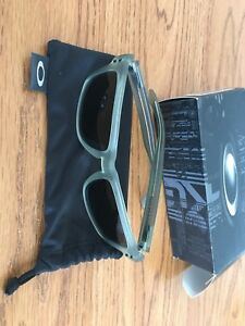 Polarized Oakley Holbrook Sunglasses