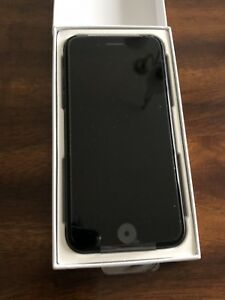 iPhone 7 32GB Unlocked *new
